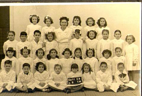 foto de segundo grado de la Escuela Marcelo T. de Alvear Av. La Plata al 600