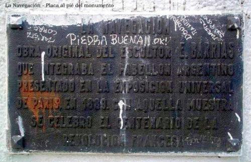 Mástil La Navegación - Plaza Sudamérica - Placa al pié del monumento - Villa Riachuelo