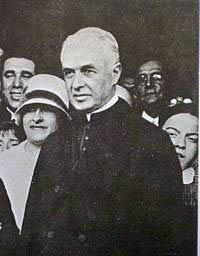 Monseñor-de-Andrea