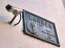 Placa Larrea
