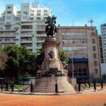 Plaza Italia: El Monumento a Giuseppe Garibaldi. Plaza de los Portones.