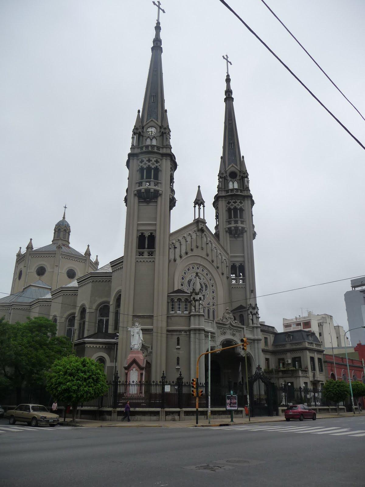 Basílica de Nuestra Señora de los Buenos Aires en el barrio de Caballito