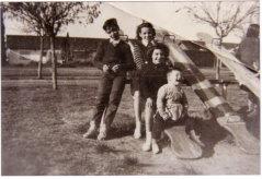 Olga Orsi y sus hermanos: Tito, Norma, ella y Néstor
