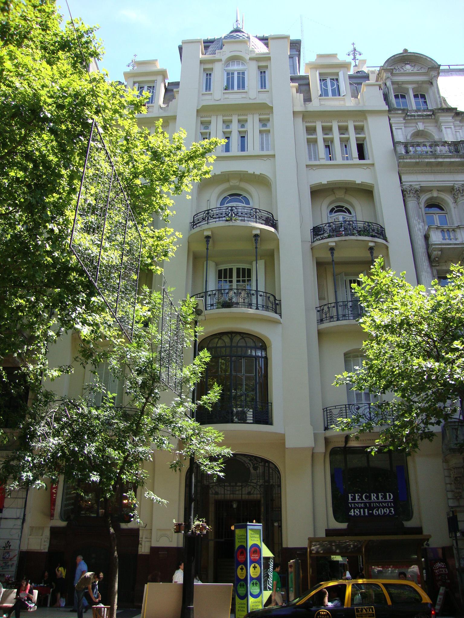 Palacio Vera - Av. de Mayo nº 767-777 en el barrio de Monserrat.