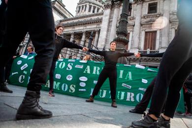 Asociación de Revistas Culturales e Independientes de Argentina (AReCIA) repudia la modificación a la Ley 26.736