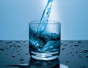 Los riesgos que corrés al no tomar líquido suficiente