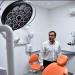 Alejandro Finocchiaro inaugurando el nuevo equipamiento de la Facultad de Odontología de Nación